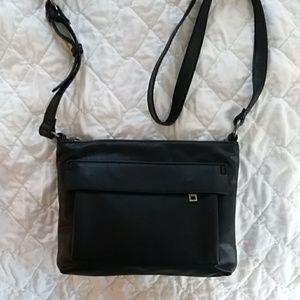 🔔 NEW! Black Leather Purse
